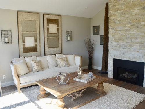 KH Customs – Bell Remodel Living Room Detail